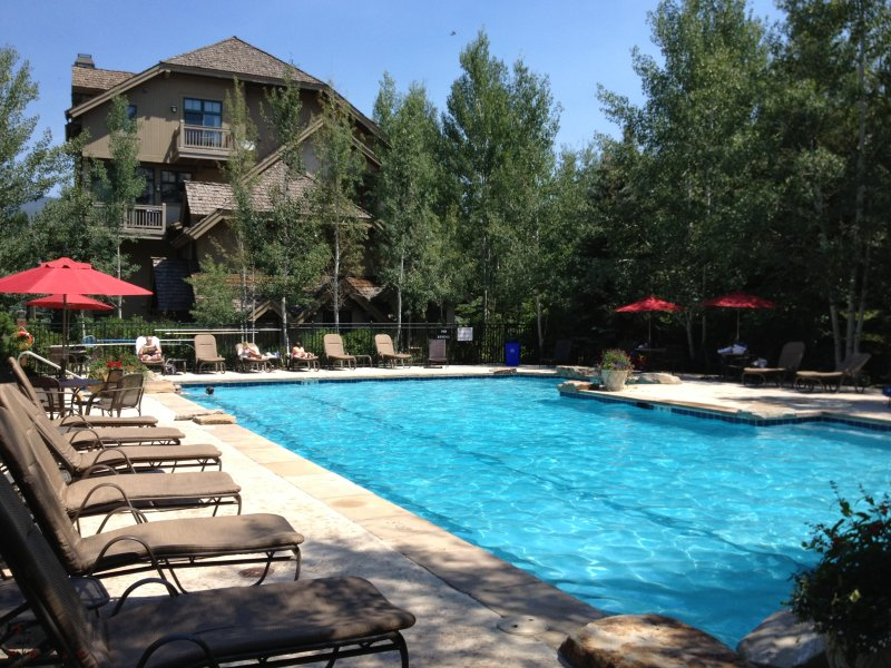 Heated year round pool with hot tub and wading pool