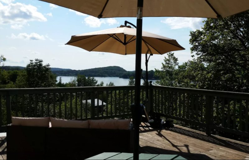 Muskoka Executive Apartment, alquiler de vacaciones en Dwight