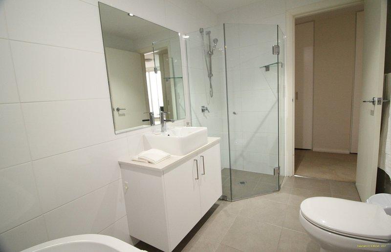 2'nd Bathroom