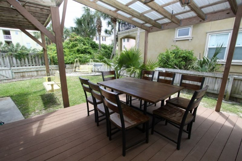 Dune - Outdoor Dining Table