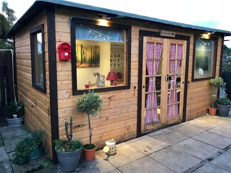 Bumble's Barn is cosy, comfy and a compete hideaway