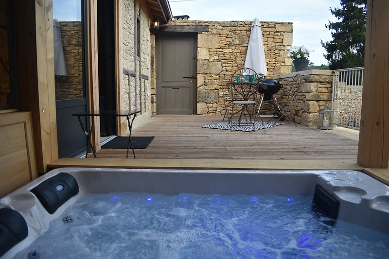 Sarlat Atelier Gilbert 2 personnes ,Spa, holiday rental in Vezac