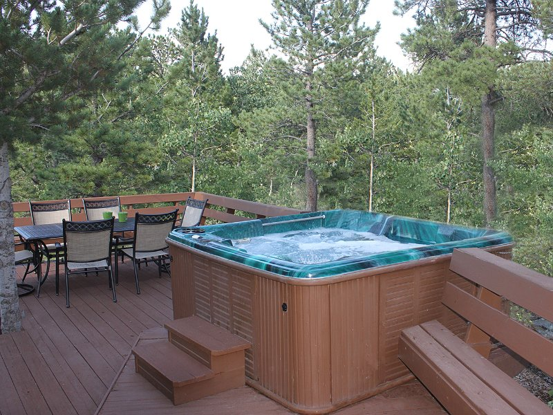 Hot Tub Relax in your own private hot tub