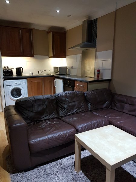 1 Bed place-Ensuite-Lounge-Kitchen-SkyHD-WIFI Available After August 2017, alquiler vacacional en Berkhamsted