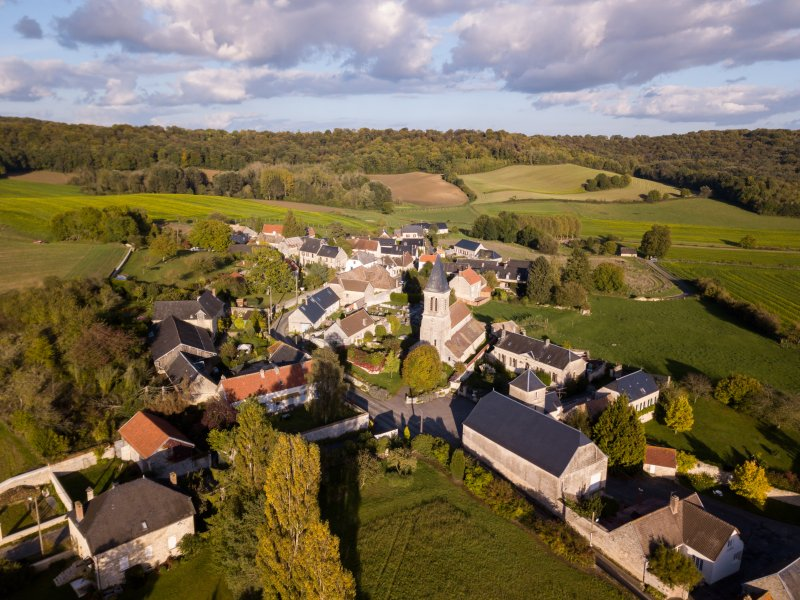 Private Home in a Medieval Village Near Paris and, vacation rental in Aisne