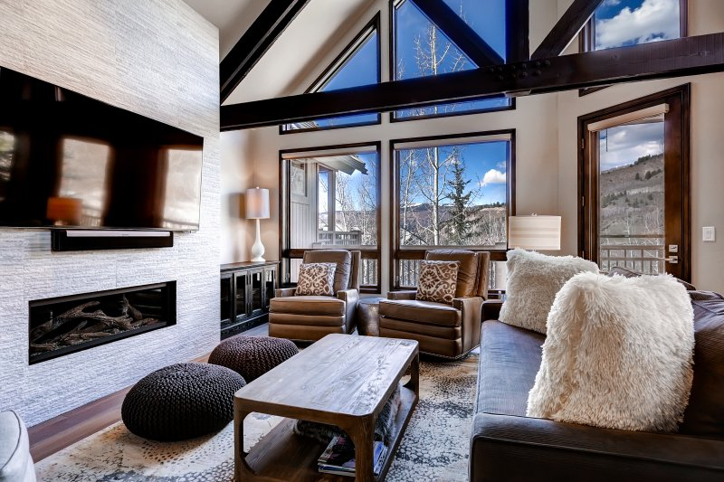 Luxe Pines Lodge Townhome Sleeps 10, location de vacances à Beaver Creek