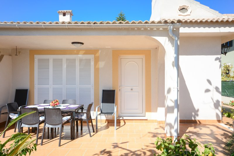 PINYA - Chalet for 6 people in PORT D'ALCUDIA, holiday rental in Majorca