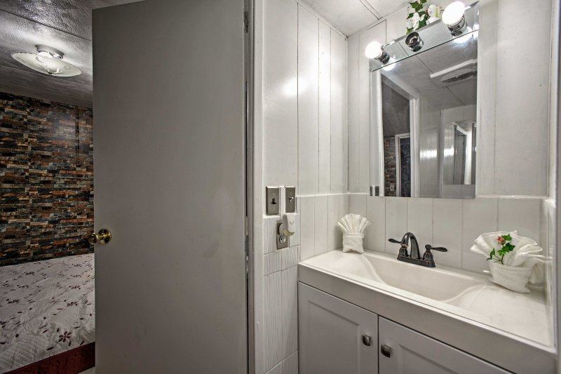 The Jack-and-Jill bathroom adds convenience during your stay.