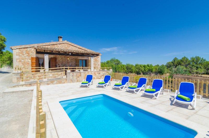 S'ARESTA DEN RUMBET - Villa for 6 people in Llucmajor, alquiler de vacaciones en Randa