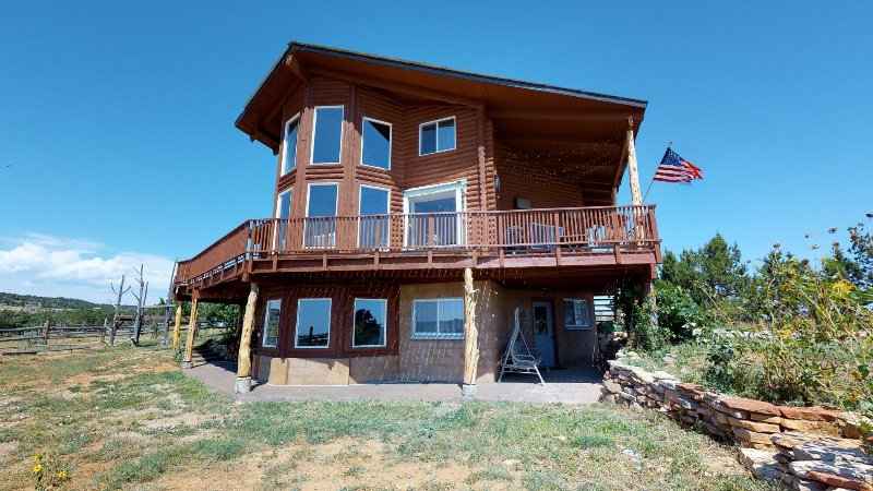 Majestic Family Cabin w/stunning views!, vacation rental in Blanding