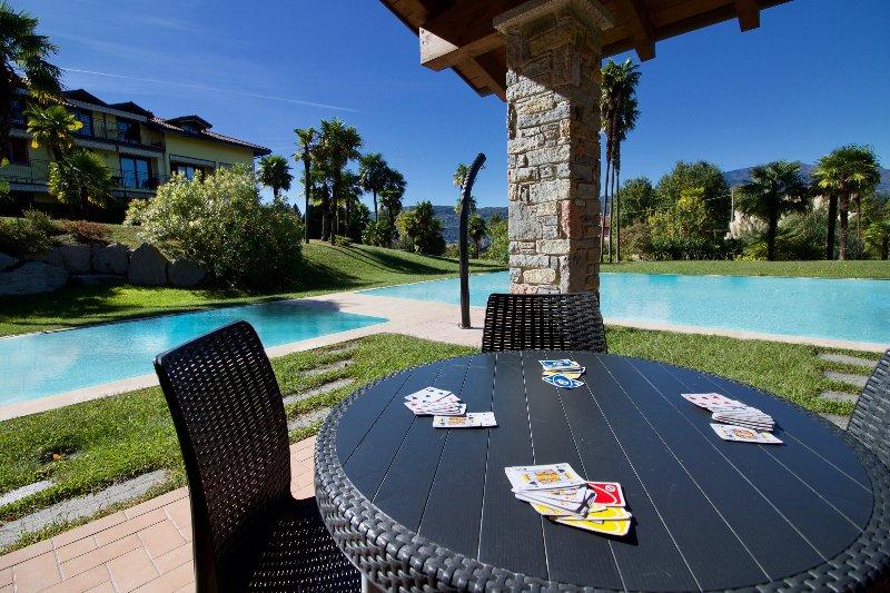Amazing Gaia Le Palme, vacation rental in Laveno-Mombello