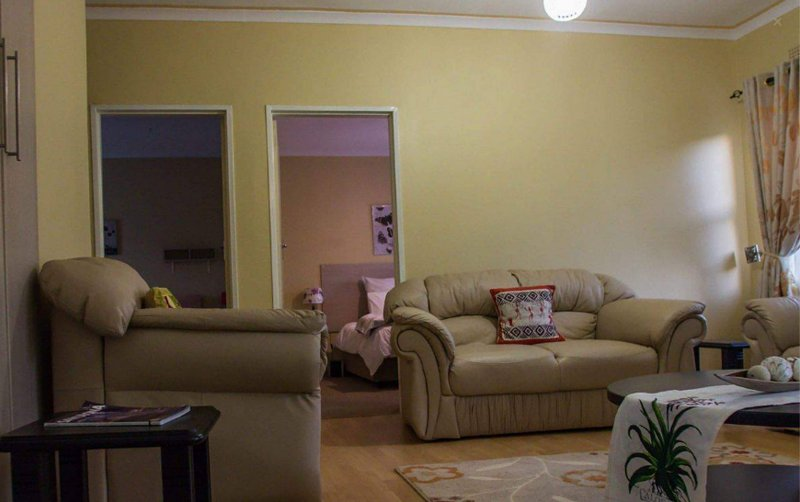 Lolo's Two Bedroom Apartment, holiday rental in Chitungwiza