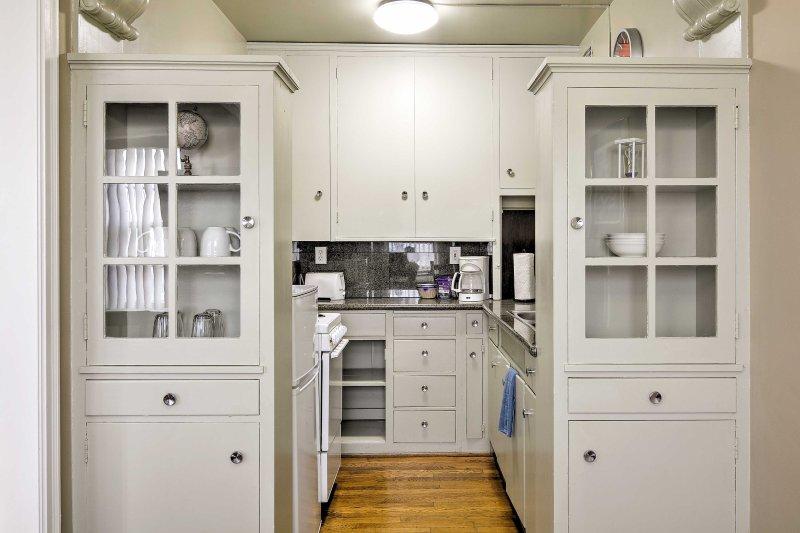 El estudio 1 baño cuenta con una cocina bien equipada y todas las comodidades del hogar.