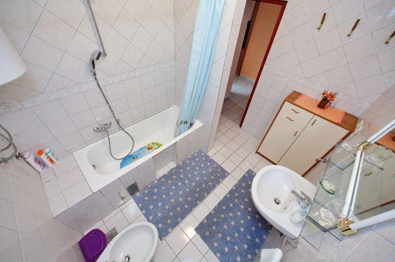 A1 (6 + 1): Bad mit WC