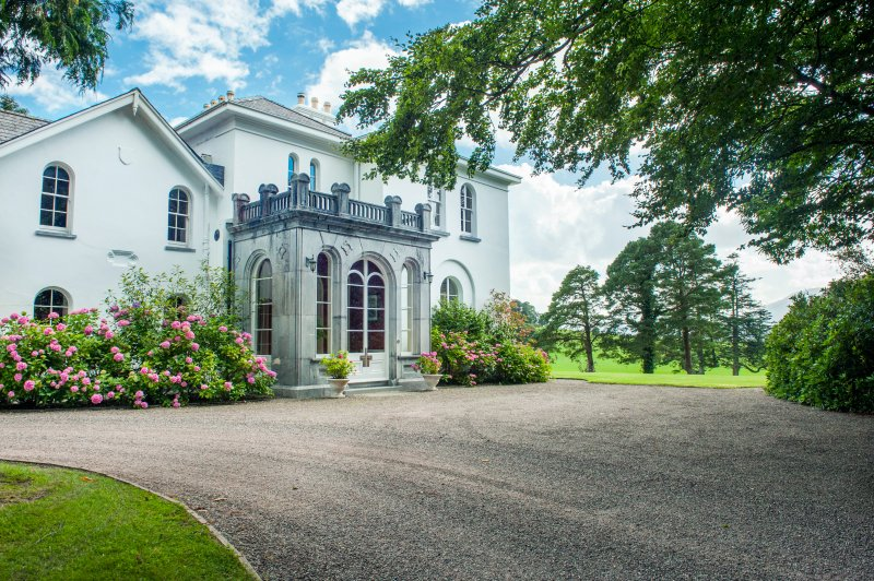 Front Coolclogher House Killarney.