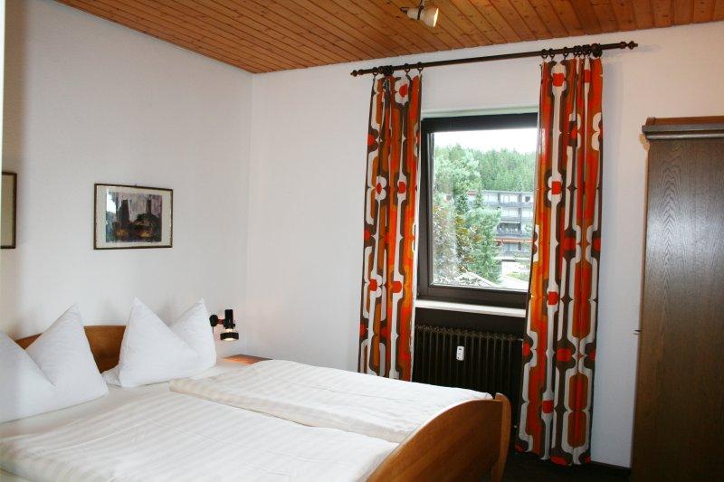 Segunda habitación con cama doble de 1,80 x mt 02:00