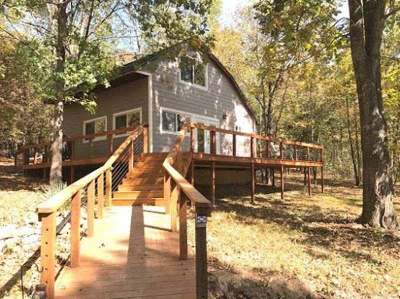 Buttonwood cabin at Tablerock lake (Branson area), vacation rental in Omaha