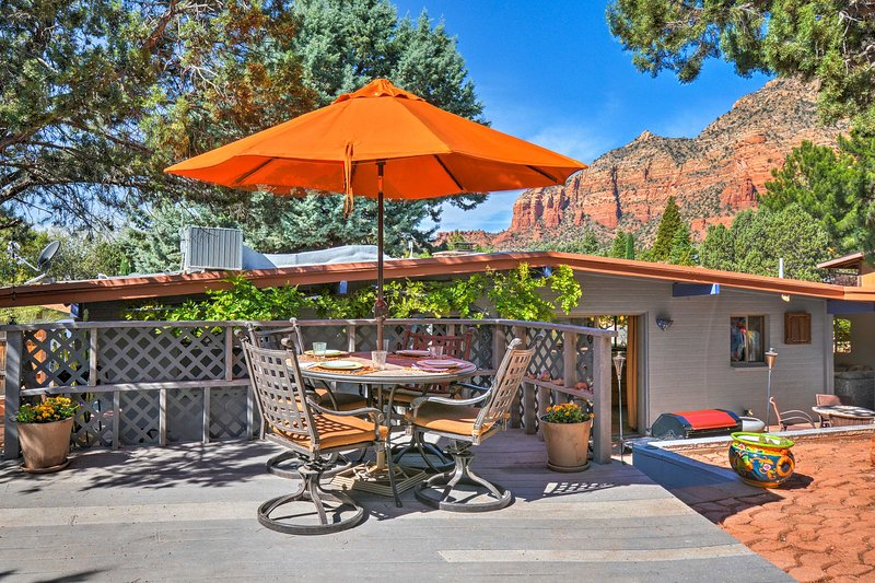 'Casa Serena' is a 2-bed vacation rental home with a bonus room in Sedona!