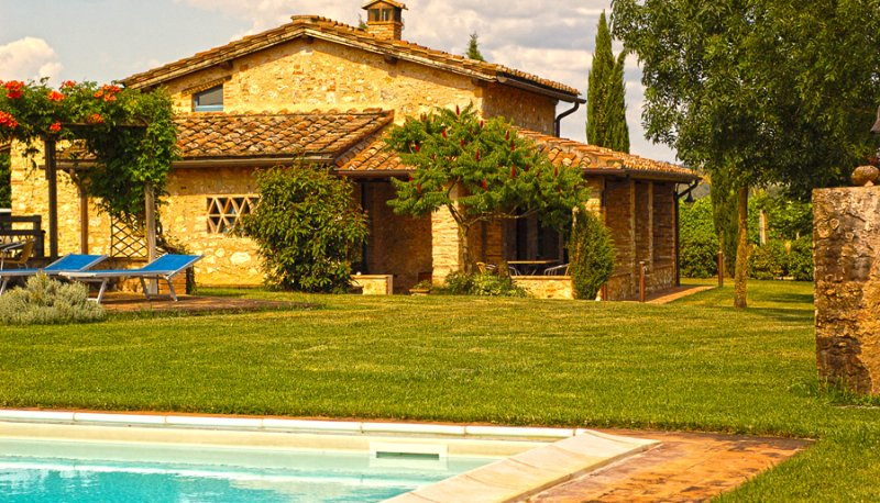 Castel Petraio Holiday Home Sleeps 4 with Pool and WiFi - 5226699, vacation rental in Castellina Scalo