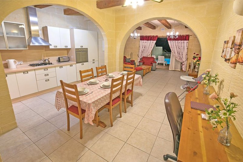 Villambrose (Gozo) - Villa With WIFI, Private Pool, BBQ ~ Tranquility guaranteed, holiday rental in San Lawrenz