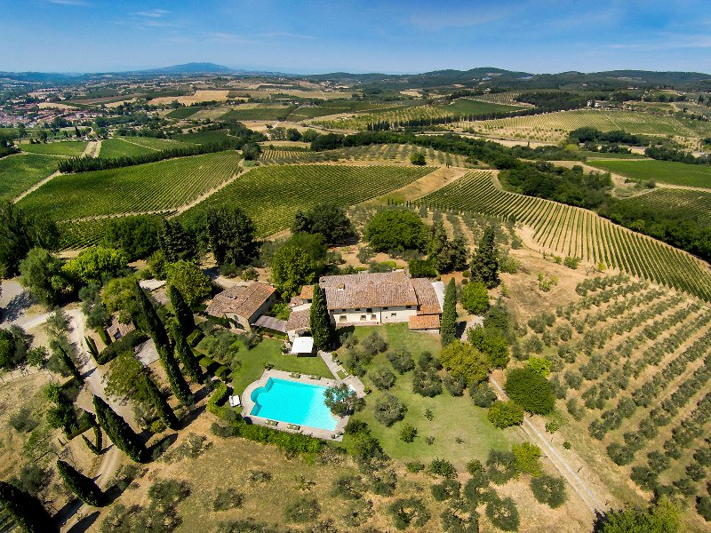 FABULOUS 8BR - 7.5BA VILLA W/ STUNNING POOL & VIEWS IN TOP TUSCANY LOCATION!, holiday rental in San Michele a Torri
