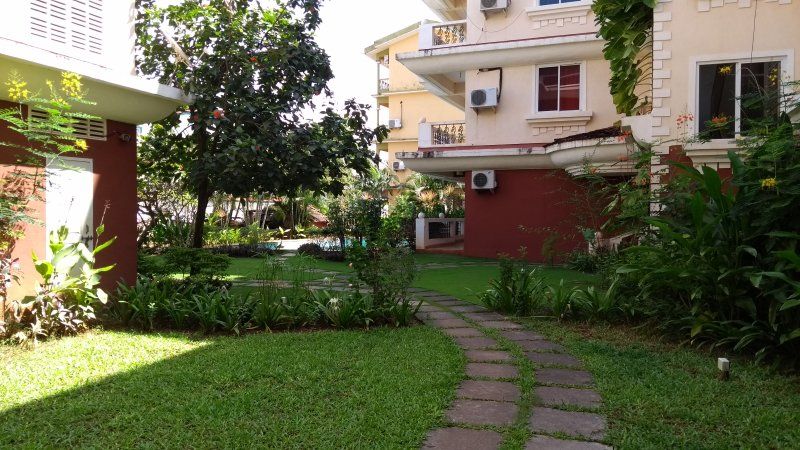 Luxurious 2-Bedroom, Apartment at Cavelossim/Mobor, Goa, vacation rental in Cavelossim