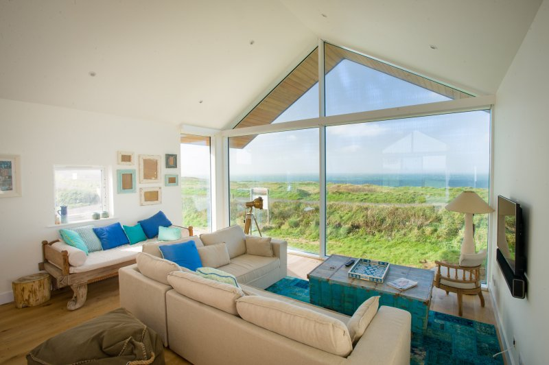 Trevose View Beach House, casa vacanza a Widemouth Bay