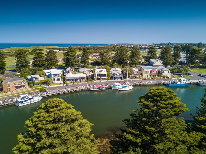 ' Edge17 Waterfront Apartment', vacation rental in Port Fairy