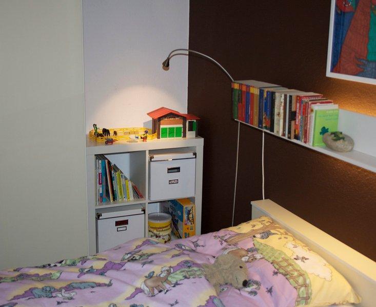 juguetes de los niños (libros, potro, ferrocarril y mucho más)