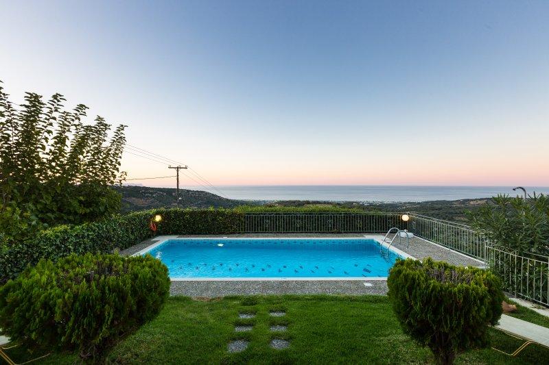 Belvedere Villas - Villa Katerina, Panoramic Views, Close to Beach & City, holiday rental in Prasies
