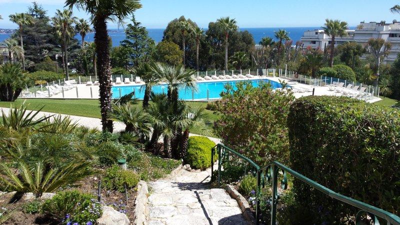 Super Cannes Parc Privé Piscine Tennis Parking, vacation rental in Golfe-Juan Vallauris