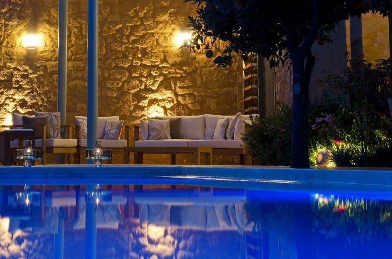 Paradice Hotel Luxury Suites 1, location de vacances à Stavros