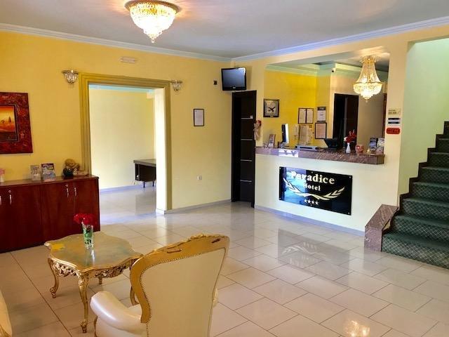 Paradice Hotel Luxury Suites 14, location de vacances à Stavros