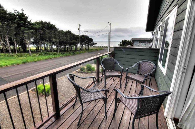 Lounge e relaxar na varanda do segundo andar.