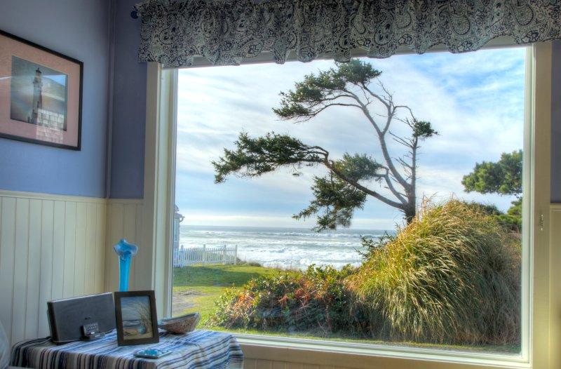 Aprecie as belas vistas do oceano em um clássico da costa.