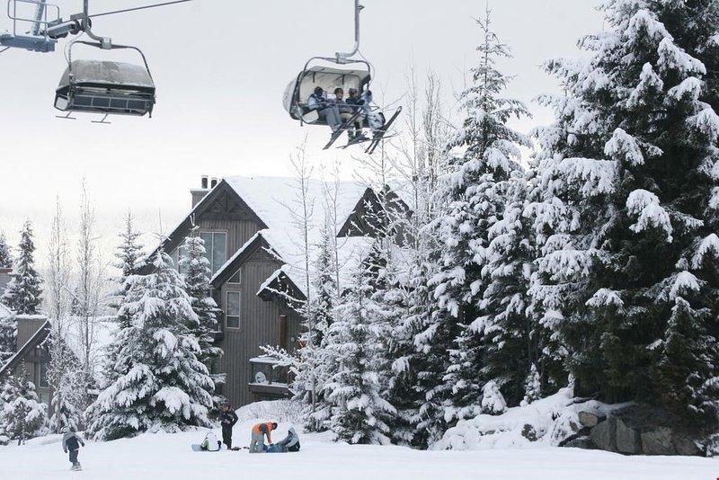 Godetevi VERO ski-in accesso diretto alle piste di Blackcomb Mountain durante la stagione invernale