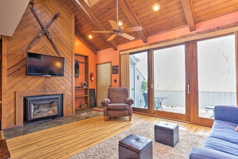 Enjoy amenities such as a flat-screen Smart TV and gas propane fireplace.