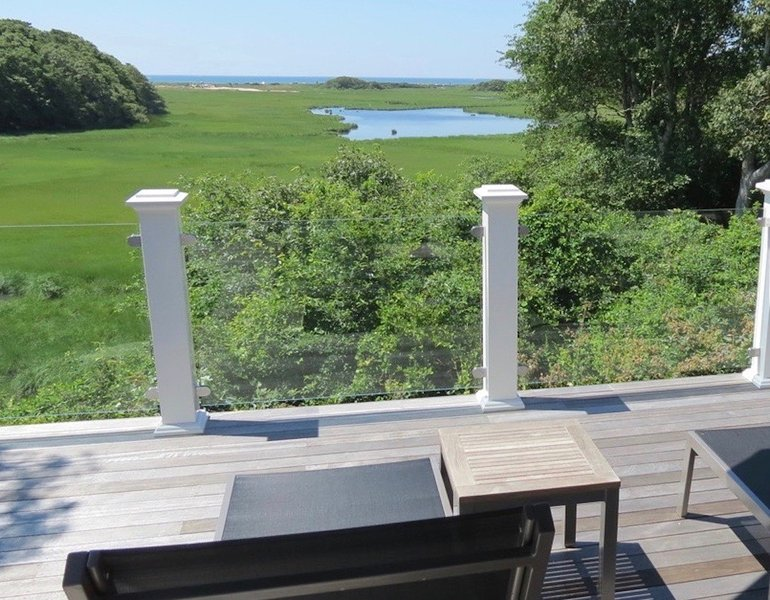Brand new custom built beauty in S. Chatham w/water views (linens incl); 151-C, location de vacances à South Chatham