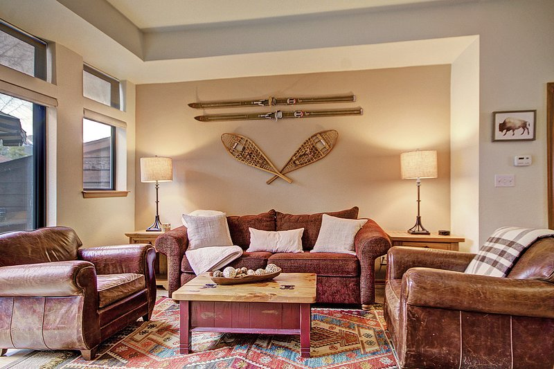 SkyRun Property - 'Village Point 303' - Cozy living room area to unwind with friends and family
