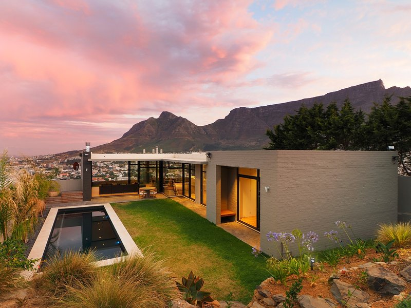 CLOUD 9 - Ultra Modern Design Home, vacation rental in Cape Town Central