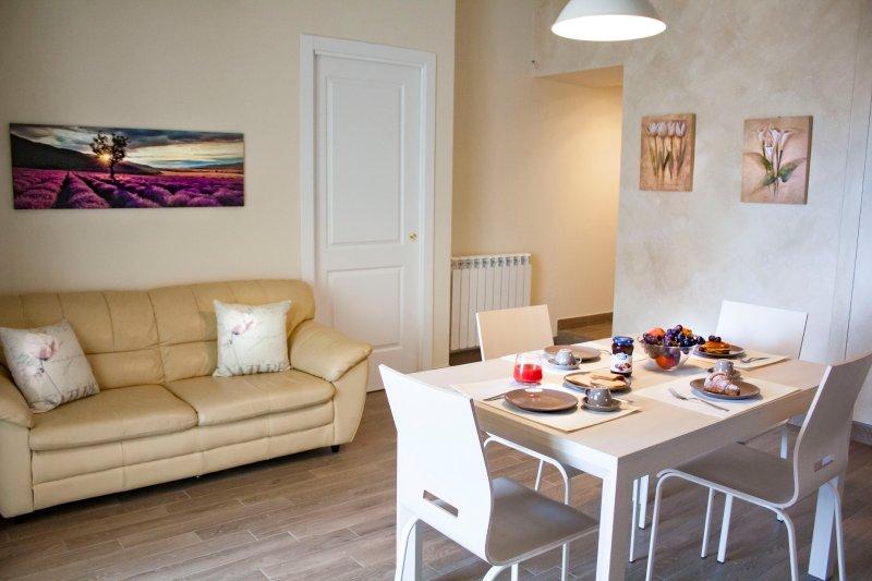 TaorminaFamilyApartment appartamento appena ristrutturato a 10 min dal centro, holiday rental in Spisone