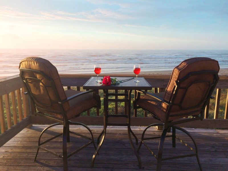 BEACH FRONT on Galveston's West Beach, holiday rental in Galveston Island