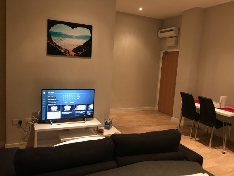 L'area TV all'interno dello studio