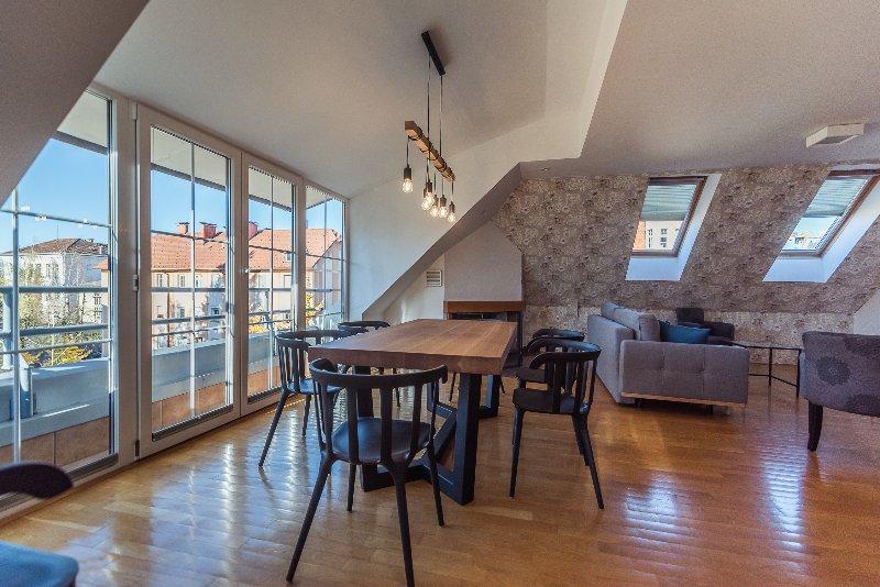 Villa Prule Penthouse - dining area
