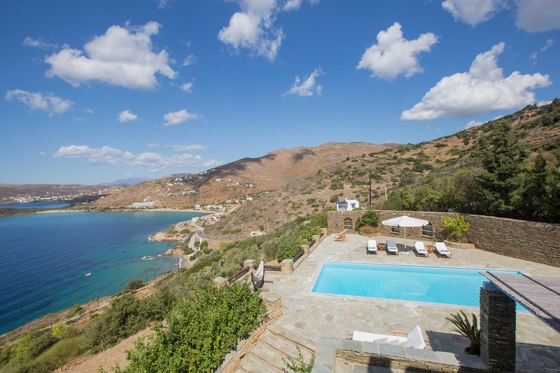 Sea views and swimming pool area