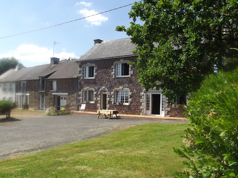 Gîtes Ty Lizmaël aux portes de Brocéliande, vacation rental in Mauron