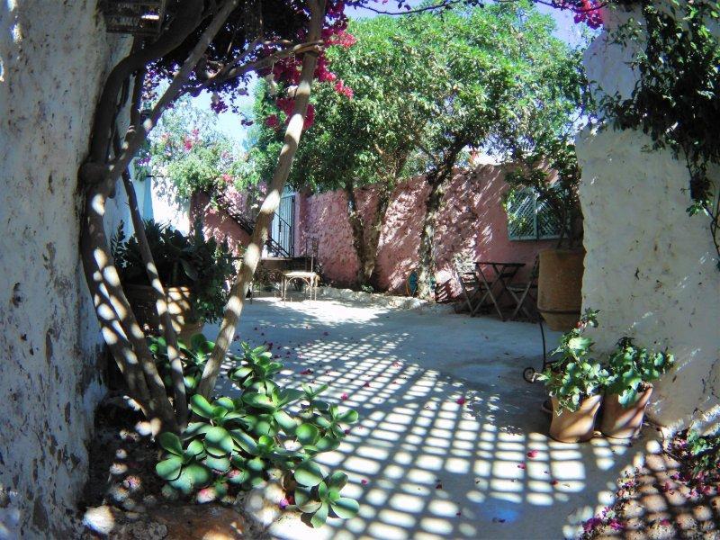 Ravissante maison avec jardin près d'Essaouira dans un village authentique, aluguéis de temporada em Sidi Kaouki