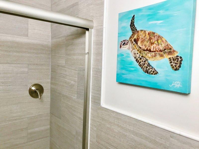 BAÑO INVITADO w / a cabina de ducha