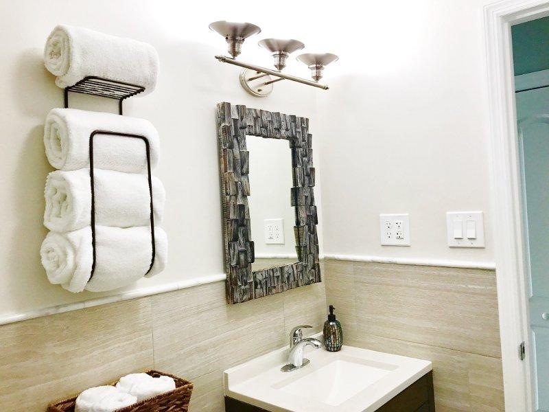 MAESTRO cuarto de baño w / un secador de pelo