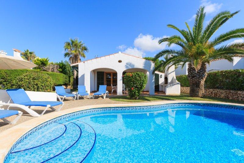 Schöne Villa mit privatem Pool, Terrasse und Garten